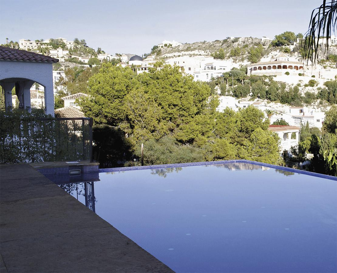 Casa Coveta luxury refurbishment  swimming pool and garden, Campello Alicante