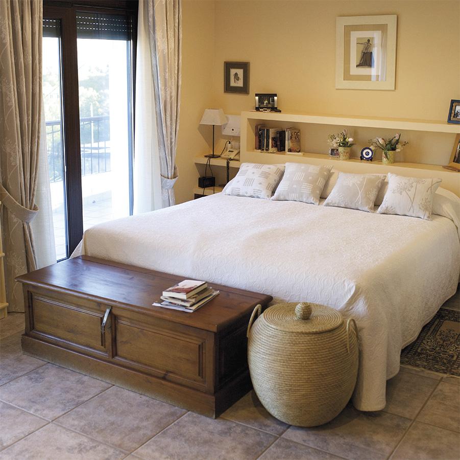 Casa Coveta luxury refurbishment white main bedroom, Campello Alicante